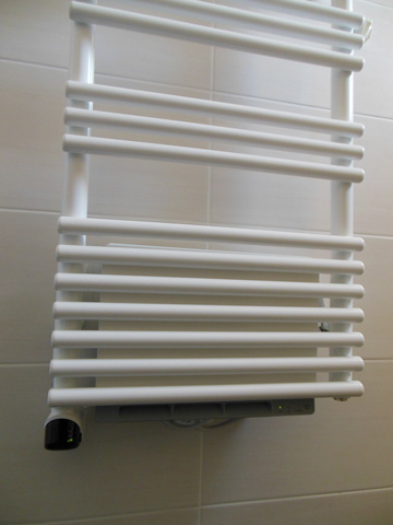 Sèche serviettes programmable avec souffleur